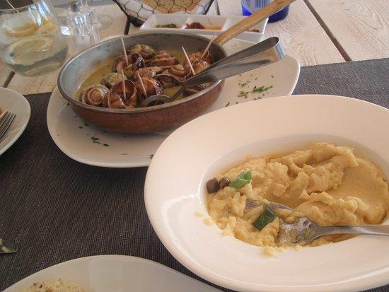 Argo Restaurant: Snails and Fava bean spread
