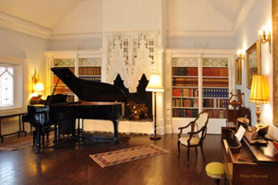 Bramber, UK: Victorian Music room
