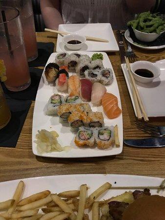 The Cowfish Sushi Burger Bar: Sushi