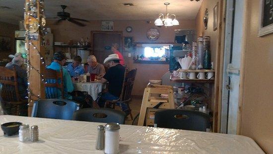 Hondo, تكساس: A look back at the kitchen