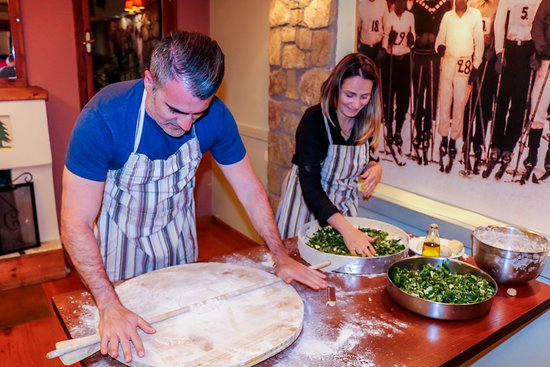 Eptalofos, กรีซ: Cooking lessons for everyone