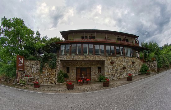 Eptalofos, กรีซ: Windows with a view