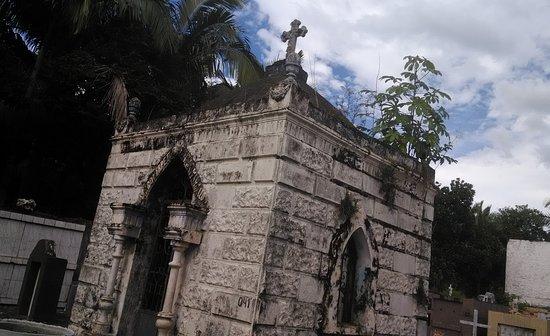 Igreja Do Bom Jesus Do Saiva: Cemitério da igreja.