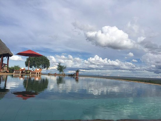 Infinity swimming pool. - Picture of Mugie House, Laikipia ...
