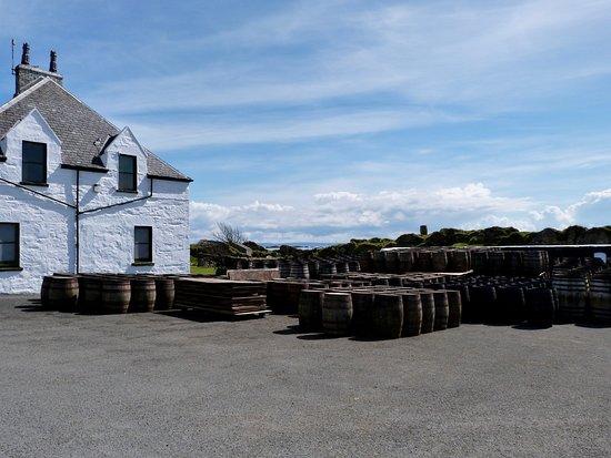 Port Ellen, UK: Ardbeg's barrels