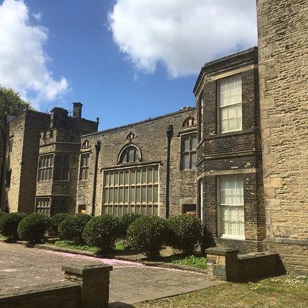 Bolling Hall: photo2.jpg