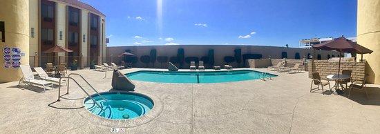 Norwalk, CA: Bazén