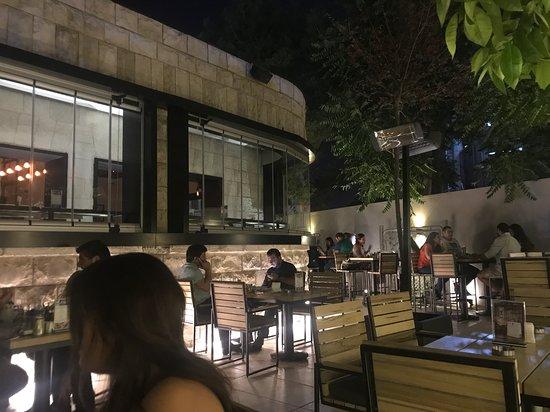 VEER Resto-Lounge imagem