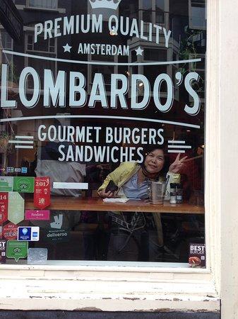 Lombardo's: 從門口望進去