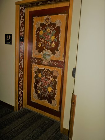 Bavarian Lodge: The elevators are all painted