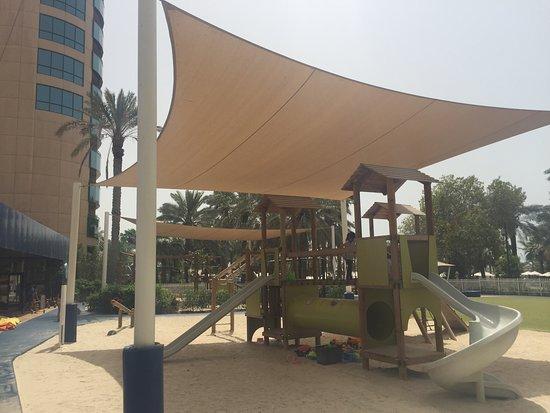 Le Meridien Mina Seyahi Beach Resort and Marina Photo