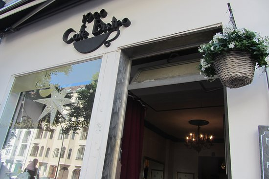 1900 Cafe Bistro: gezellig in de buitenlucht ontbijten(als het weer het toelaat)