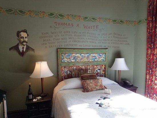 McMenamins Hotel Oregon: 20180506_174004_large.jpg
