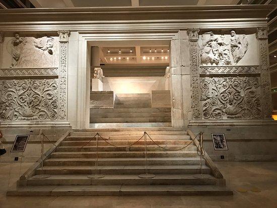 Museo dell'Ara Pacis: interno