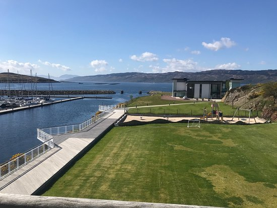 Portavadie, UK: Great resort, overlooking kids play park with swimming pools in the background.