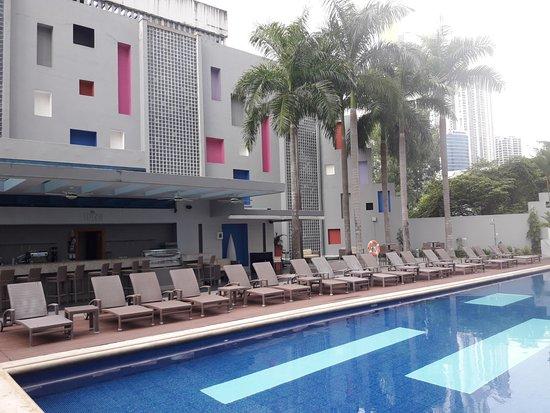 Hotel Riu Plaza Panama: pileta