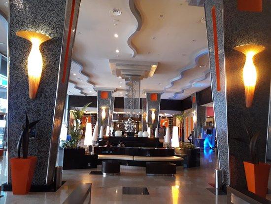 Hotel Riu Plaza Panama: hall de entrada