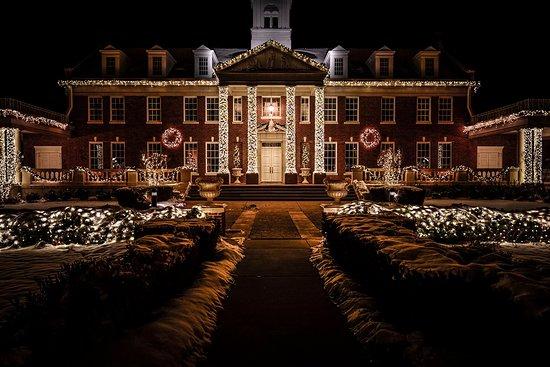 Guthrie, OK: Snowy Christmas at Dominion House