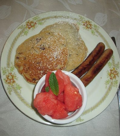 Warner, NH: Apple pecan pancakes, chicken sausage, watermelon with mint