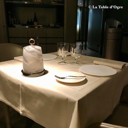 Armani Ristorante: Table