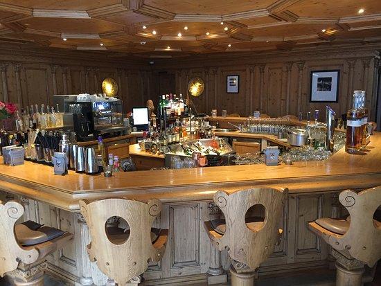 Hotel Alpenhof: Beautiful lobby bar