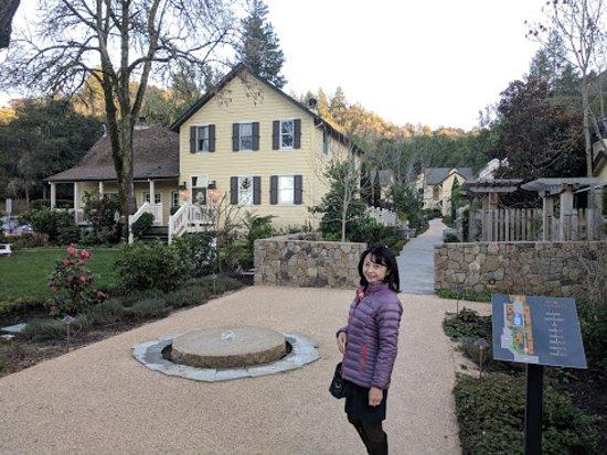 Forestville, Kaliforniya: Farmhouse Inn property grounds