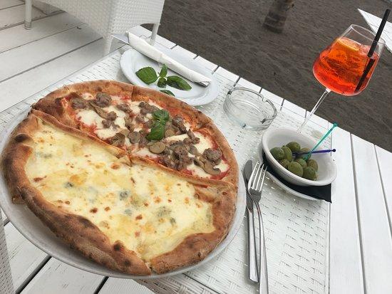 L'Incanto Bar Ristorante: Pizza and Aperol spritz