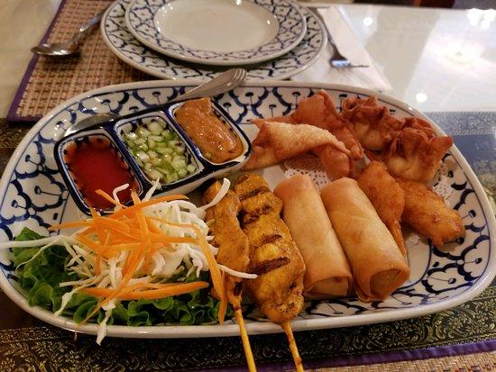 San Dimas, CA: Elephant Platter (shrimp warm all else cod very doughty egg rolls
