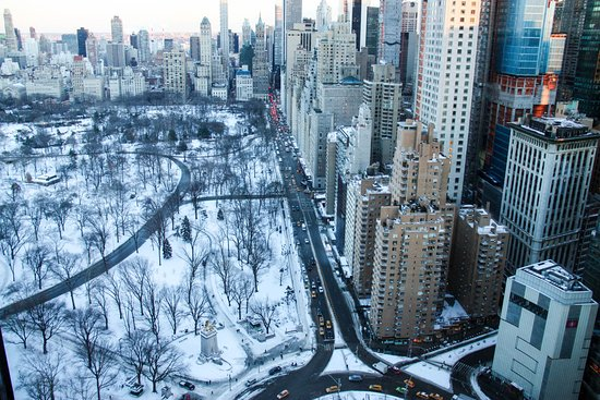 Mandarin Oriental, New York: Day View of Snow-Covered Central Park from My Room