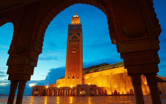 Morocco Experience Tour: Enjoy the magnificent view in morocco with a such colorfull places amd a soft music with the ber