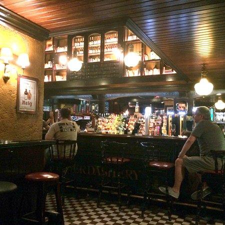 Photo8 Jpg Picture Of Hennessy S Irish Pub Lisbon Tripadvisor