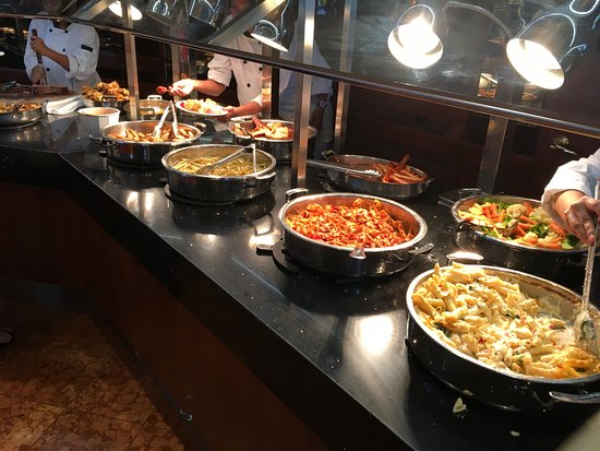 Summit Suite Buffet Main Entrees