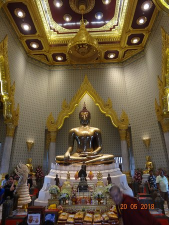 Temple du Bouddha d'or : Big Buddha statue