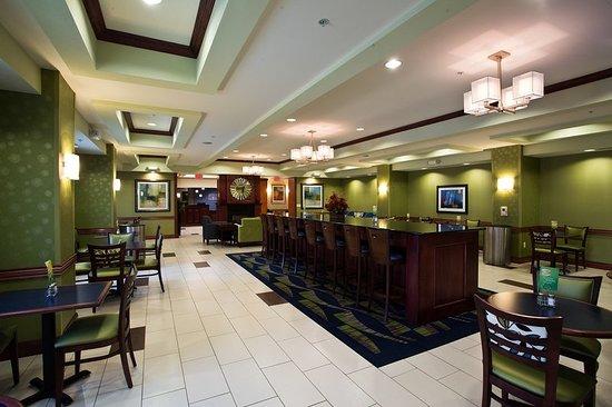Urbandale, IA: Restaurant