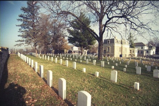 ‪Jefferson City National Cemetery‬