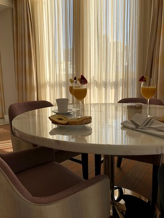 Loews Boston Hotel: a little breakfast and warm sunshine - presidential suite