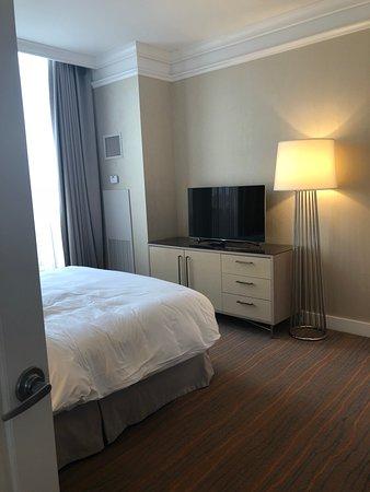 Loews Boston Hotel: bedroom - presidential suite