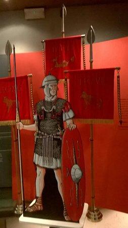 Museo del Puerto Romano: Uniforme del soldado romano.
