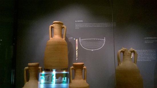 Museo del Puerto Romano: Vasija romana.