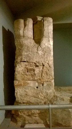 Museo del Puerto Romano: Soportales, del puerto.