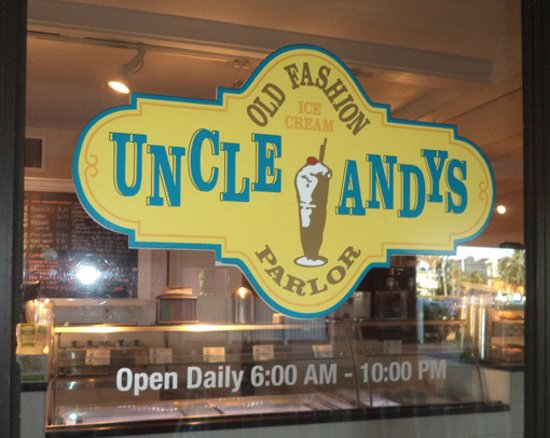 Uncle Andy's Old Fashioned Ice Cream Parlor : Easy to find