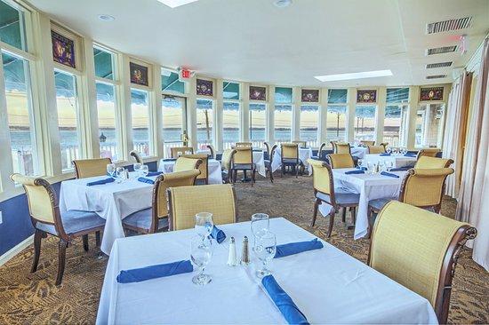 Wyndham Bay Voyage Inn: Restaurant