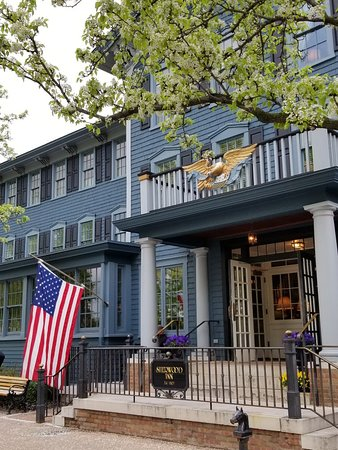 Skaneateles, NY: Exterior by lake