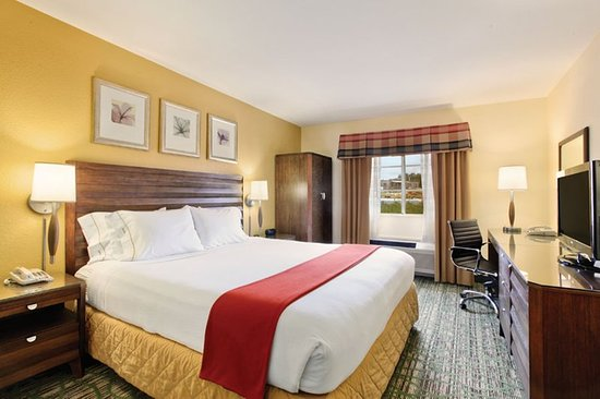 Holiday Inn Express San Diego - Escondido: Guest room