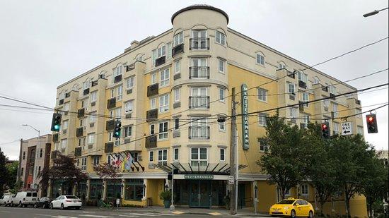 Mediterranean Inn: our Hotel