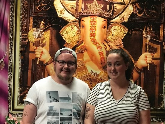 Spice of Life Tours: At the Temple