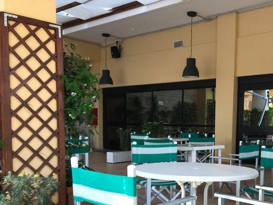 Holiday Inn Rome - Aurelia: Outside