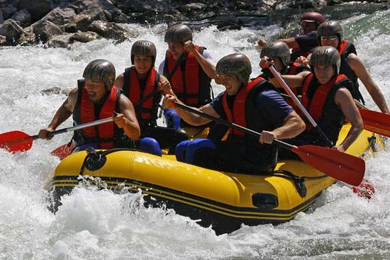 Lenggries, Jerman: Isar Rafting - leichte Wildwasser Raftingtour