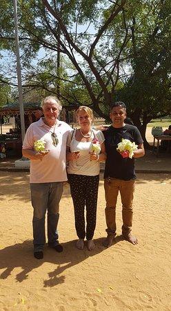 Sri Lanka Chauffeur: Tour with Guest