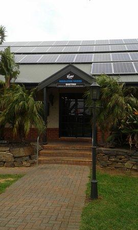 Middleton, Australia: Entrance from carpark